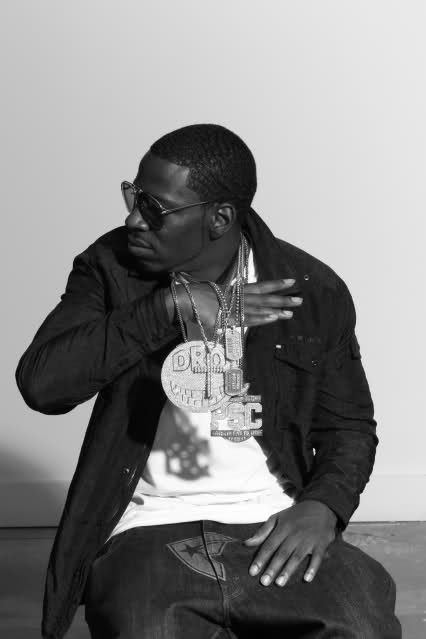 YOUNG DRO FT. TRAVIS BARKER (OF BLINK 182), MACBONEY & 5IVE MICS - CHECK OUT MY SWAG / COO